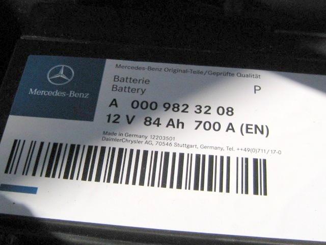 メルセデス・ベンツC200-W204純正AGMバッテリー/12V,84Ah