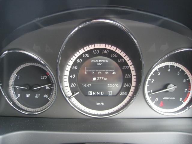 メルセデス・ベンツCクラスC200 CGI スピードメーター