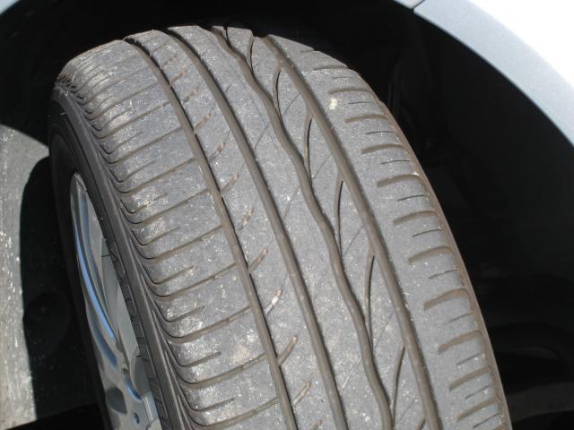 メルセデス・ベンツC200-w204-フロントタイヤ