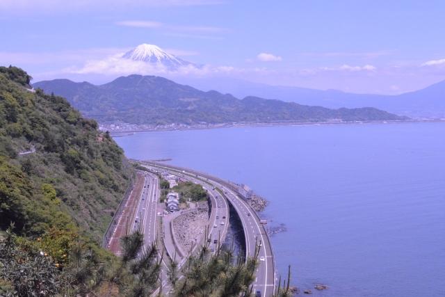 東名高速道路、富士川