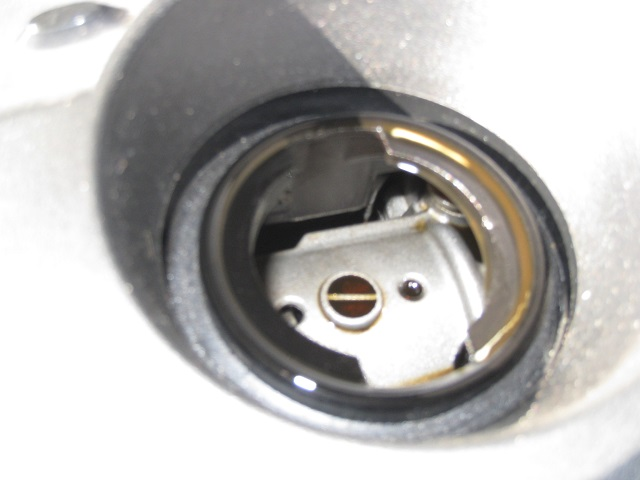 メルセデス・ベンツCクラスC200-W204エンジンオイル注入口