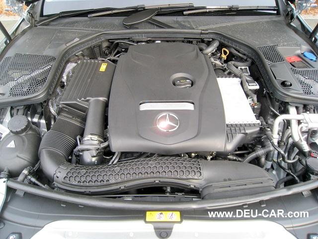 メルセデス・ベンツC200-W205エンジンルーム