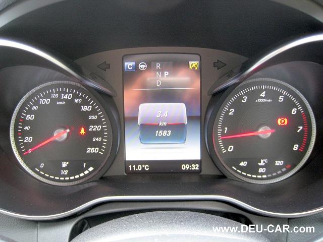 メルセデス・ベンツCクラスC200-W205スピードメーター&タコメーター
