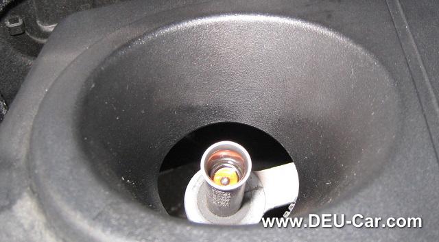 メルセデス・ベンツCクラスC200-W204-オイルレベルゲージ破損