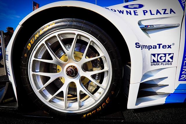 BMW レーシングカーのホイール