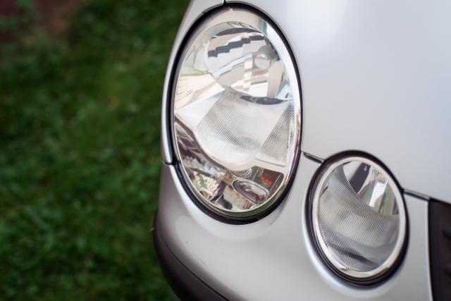 VWポロ-ハロゲンヘッドライト