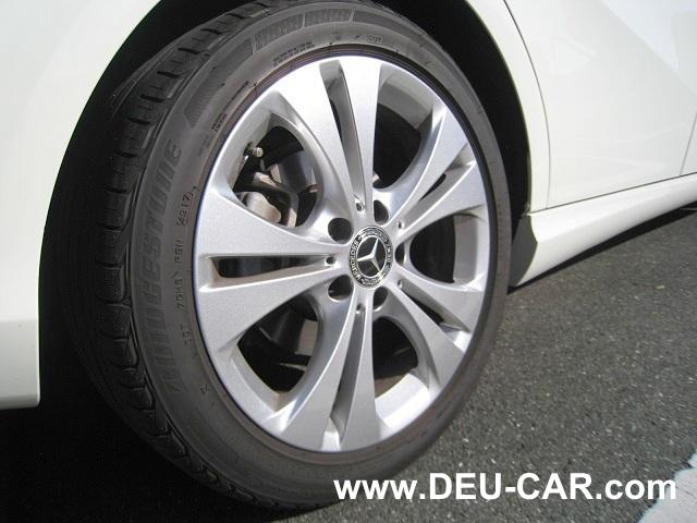 メルセデス・ベンツBクラスB180-W246、タイヤサイズ:225/45R17