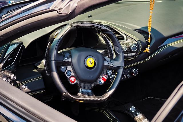 フェラーリ、ステアリングホイール