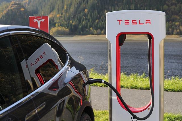 Tesla テスラ充電