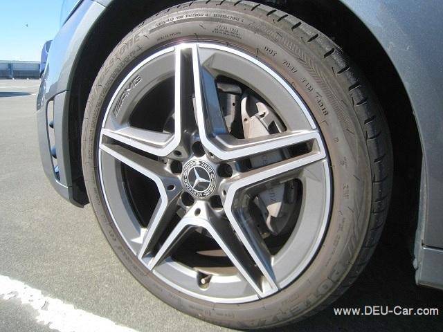 メルセデス・ベンツCクラスC220d/W205,フロントタイヤサイズ225/45R18