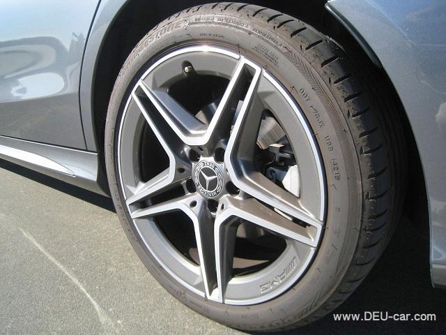 メルセデス・ベンツCクラスC220d/W205,リヤタイヤサイズ245/40R18