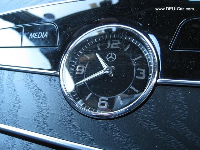 メルセデス・ベンツCクラスC220d/W205,時計