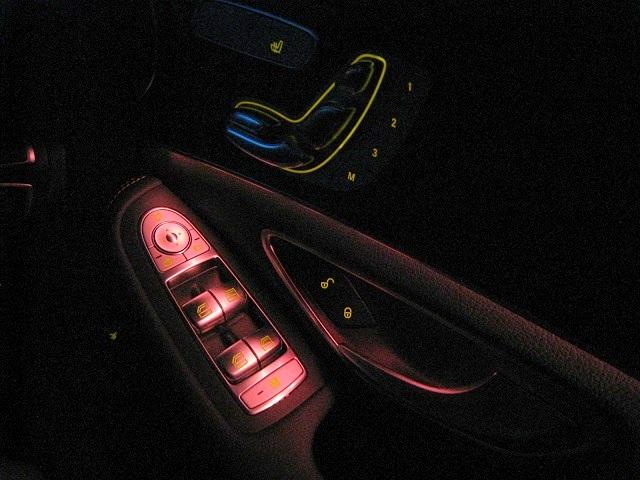 メルセデス・ベンツCクラスC220d/W205,パワーウインドウスイッチ(夜間照明)