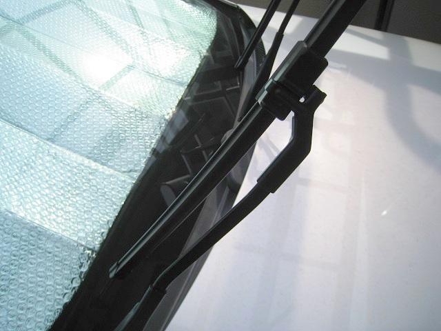 メルセデス・ベンツC200(W204)純正フラットワイパー